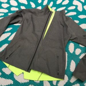 The north face reversible running jacket size m